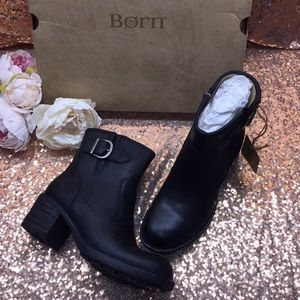 Born Black Leather Booites 6.5M